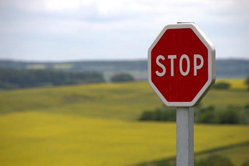 stop-634941__340